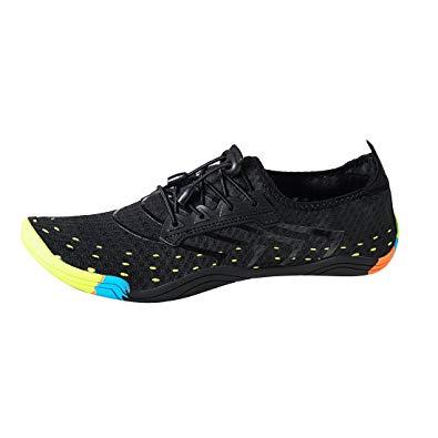 chaussures pour marcher sur les rochers dans l eau