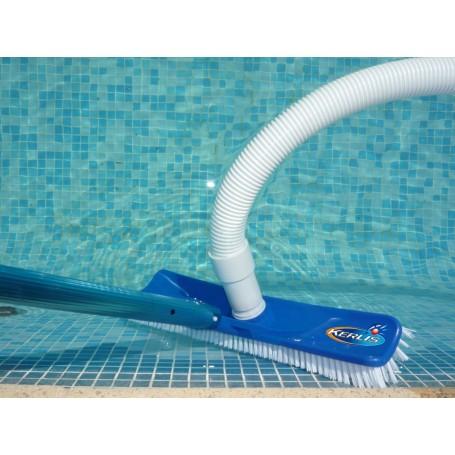 balai aspirateur piscine