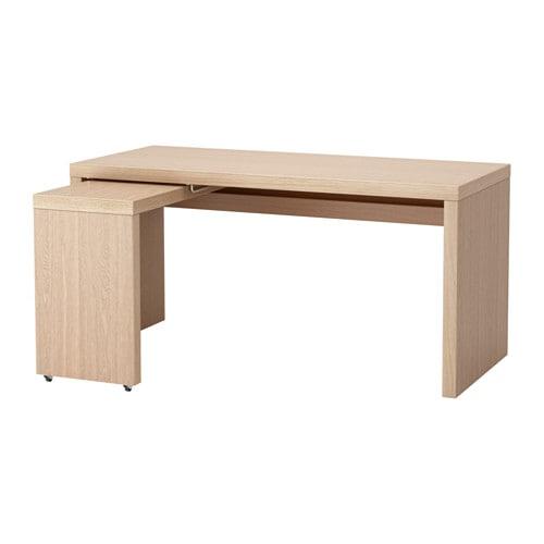 bureau avec plateau coulissant