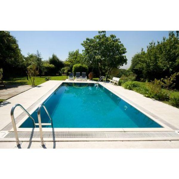 piscine dans le sol