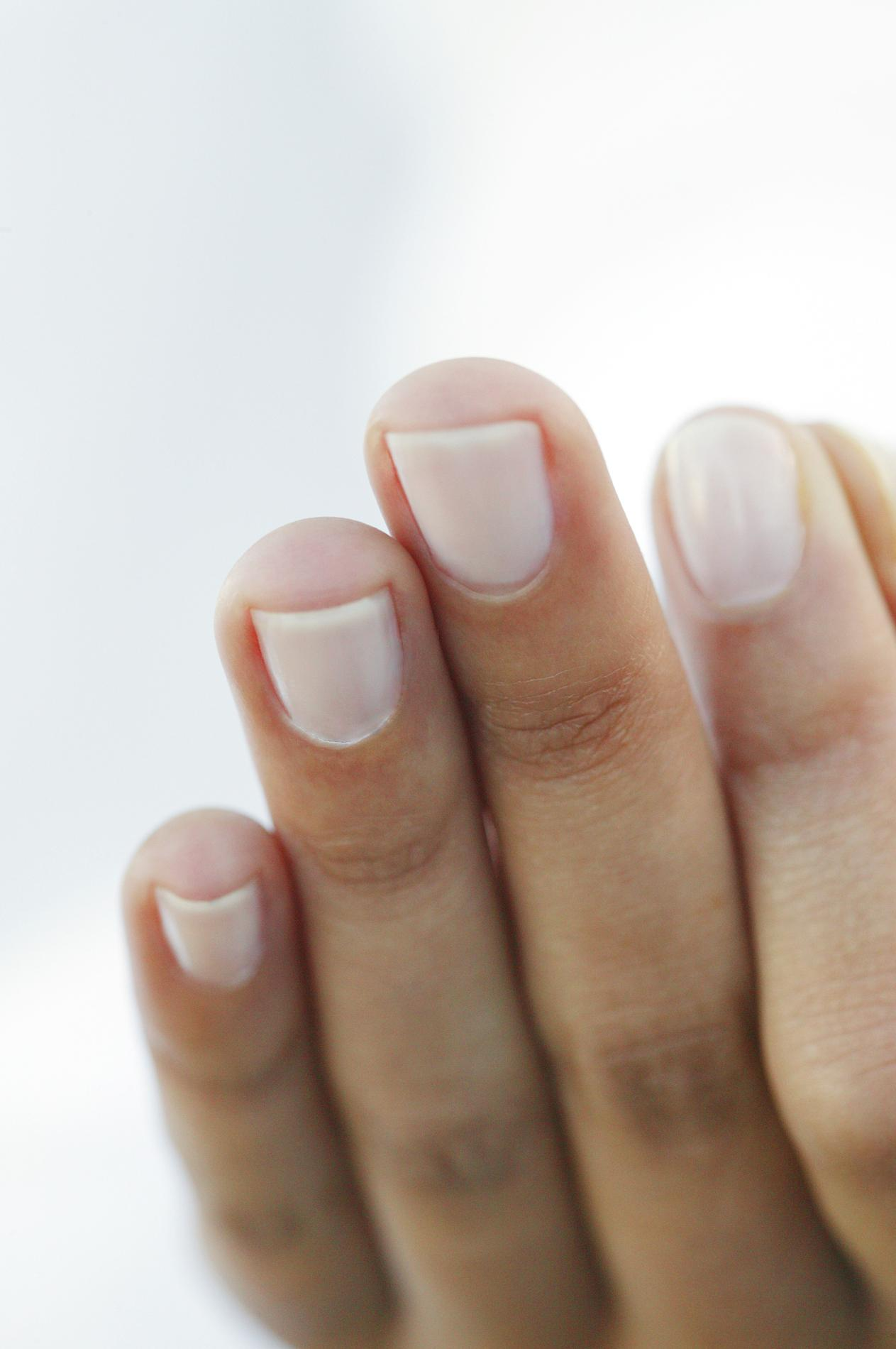 vernis a ongle blanc