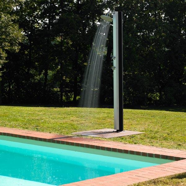douche pour piscine