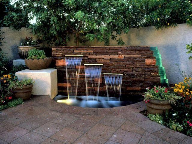 fontaine de jardin moderne